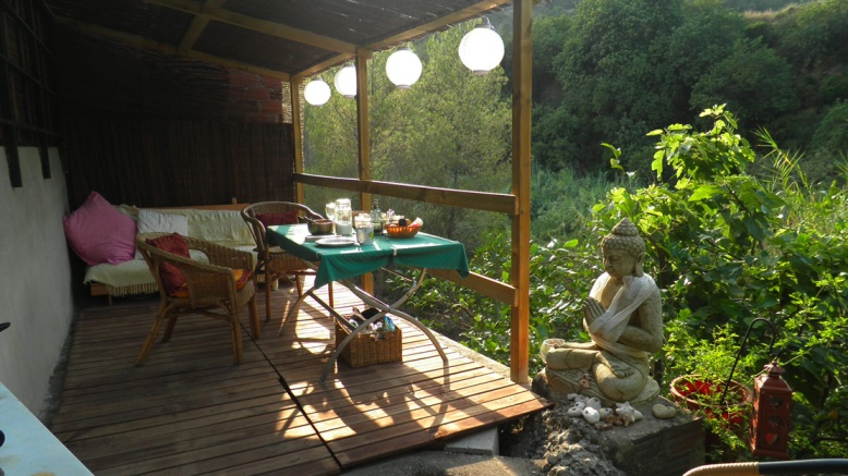 The-Buddha-garden-outdoor-cooking-and-sleeping.